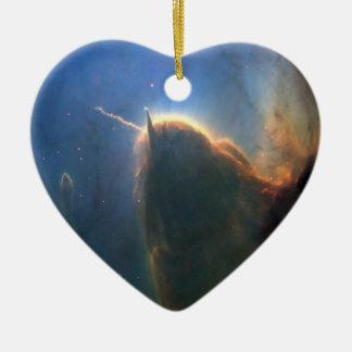 Nebulosa trífida adorno de cerámica en forma de corazón