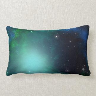 Nebulosa verde hermosa llenada de las estrellas almohadas