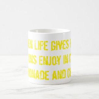Necesidad de amar esta taza de limonada