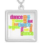 Necesidades de la danza colgantes