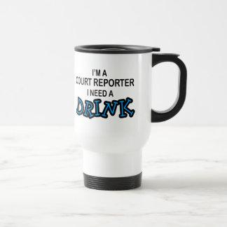 Necesite una bebida - reportero de corte taza de café