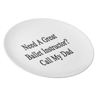 Necesite una gran llamada del instructor del platos para fiestas