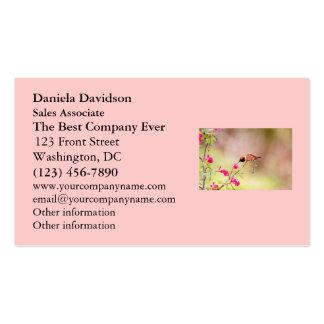 Néctar de la flor del colibrí que sorbe que se tarjeta de visita