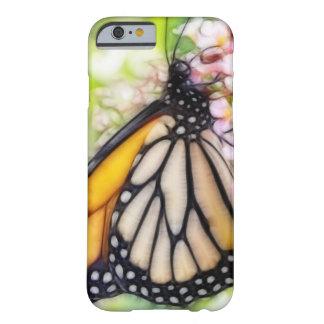 Néctar que sorbe de la mariposa de monarca funda barely there iPhone 6
