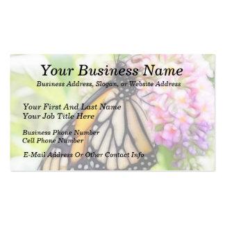 Néctar que sorbe de la mariposa de monarca tarjeta de negocio