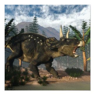 """Nedoceratops que ruge mientras que corre - 3D Invitación 5.25"""" X 5.25"""""""