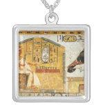 Nefertari que juega el senet collar plateado