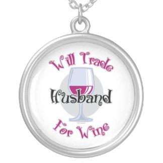 Negociará al marido para el vino colgante redondo