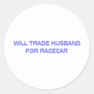 Negociará al marido para Racecar Pegatina Redonda