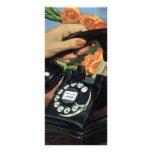 Negocio del vintage, mano de la mujer del teléfono tarjeta publicitaria a todo color