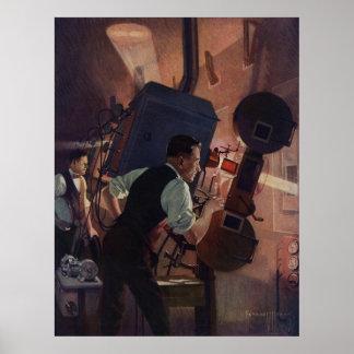 Negocio del vintage, operador de cámara en un cine póster