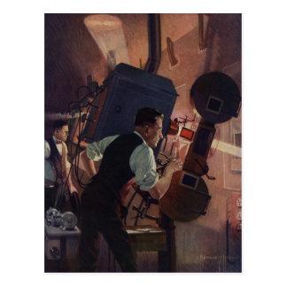 Negocio del vintage operador de cámara en un cine tarjetas postales