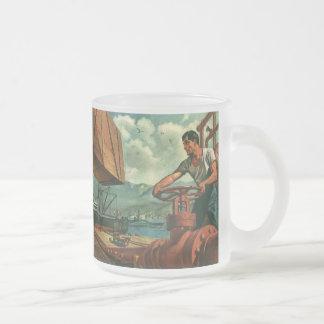Negocio del vintage, trabajador de muelle que reap tazas de café