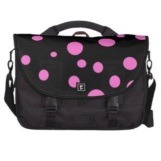 Negro atractivo con los lunares rosados bolsas para portatil