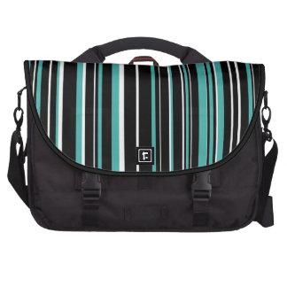 Negro, blanco, raya del código de barras del verde bolsas para portátil