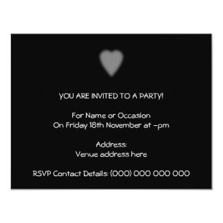 """Negro con el corazón brumoso invitación 4.25"""" x 5.5"""""""