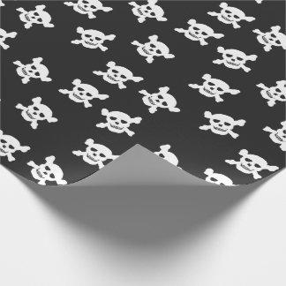 Negro con el cráneo blanco y la bandera pirata papel de regalo