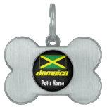 Negro con la bandera de Jamaica Placa De Mascota