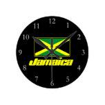 Negro con la bandera de Jamaica Reloj De Pared