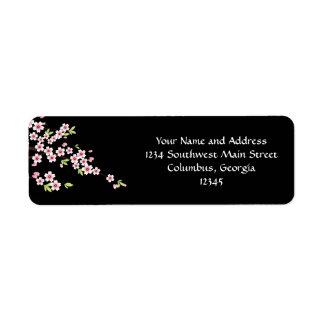 Negro con la flor de cerezo rosada y verde Sakura Etiqueta De Remite