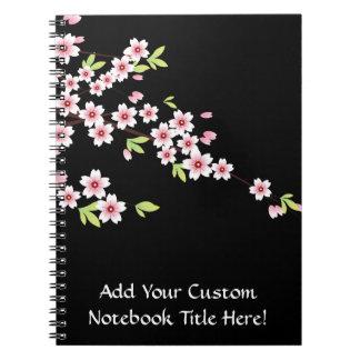 Negro con la flor de cerezo rosada y verde Sakura Spiral Notebooks