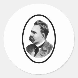 Negro de Friedrich Nietzsche o el regalo de Zazzle Etiqueta Redonda