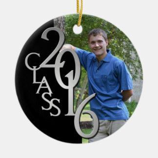 Negro de la clase 2016 y foto graduada de la plata adorno navideño redondo de cerámica