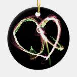 Negro de la paz y del amor adorno redondo de cerámica