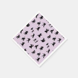 Negro de los bailarines del salón de baile en rosa servilletas de papel