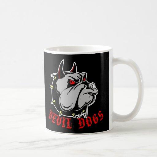 Negro de los perros de diablo del dogo taza de café