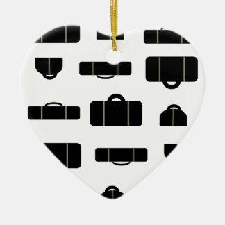 Negro del equipaje adorno navideño de cerámica en forma de corazón