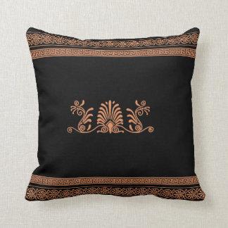 Negro del estilo del griego clásico y diseño cojin