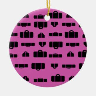 Negro del modelo del equipaje adorno navideño redondo de cerámica