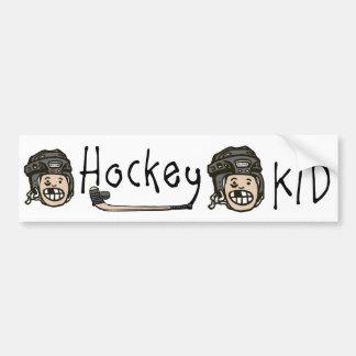Negro del niño del hockey etiqueta de parachoque