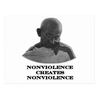 Negro del Nonviolence los regalos de Zazzle del Tarjeta Postal