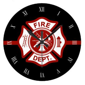 Negro del símbolo de la cruz maltesa del rescate reloj redondo grande