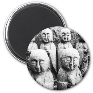 Negro e imán de las estatuas de Buda