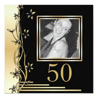 Negro e invitación floral del cumpleaños del oro