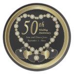 Negro elegante y aniversario de oro del oro 50.o platos de comidas