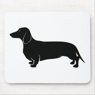 Negro en el perro de patas muy cortas blanco mouse pads