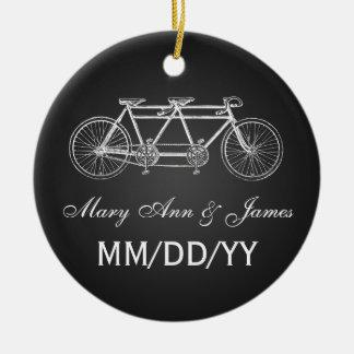 Negro en tándem de la bici del favor elegante del adorno navideño redondo de cerámica