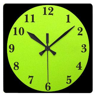 Negro en verde lima reloj cuadrado