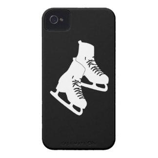 Negro intrépido de los patines de hielo de Blackbe Case-Mate iPhone 4 Protectores