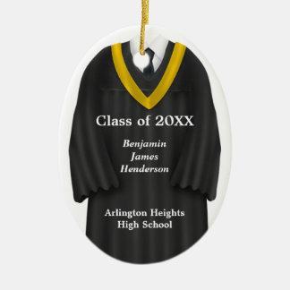 Negro masculino del vestido del graduado y ornamen ornatos