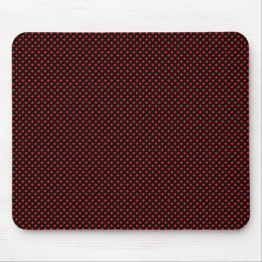 Negro neto del modelo con rojo tapetes de ratón