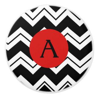 Negro rojo Chevron blanco ZizZag del monograma Pomo De Cerámica