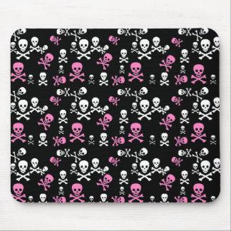 Negro rosado y blanco del cráneo y de la bandera p tapetes de ratón