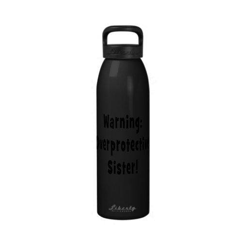 negro sobreprotector amonestador de la hermana botella de beber