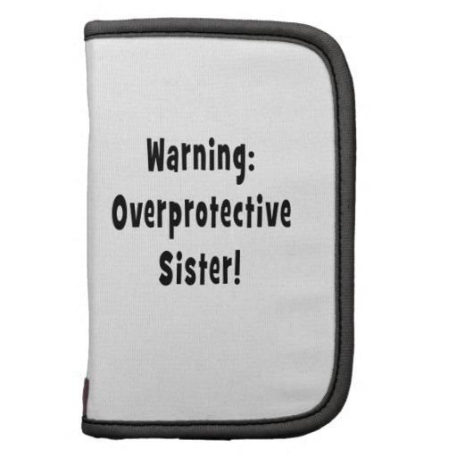 negro sobreprotector amonestador de la hermana planificador