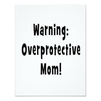 negro sobreprotector amonestador de la mamá invitación 10,8 x 13,9 cm